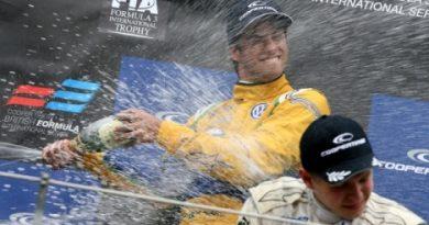F3 Inglesa: Felipe Nasr é o Campeão de 2011