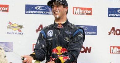 F3 Inglesa: Na abertura do campeonato, Daniel Ricciardo vence as duas provas