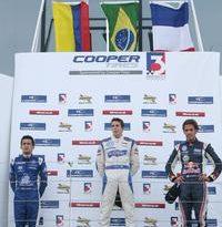 F3 Inglesa: Buzaid conquista vitória brasileira em Silverstone no dia do título de Vergne