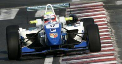 F3 Inglesa: Carlin Motorsports fecha pilotos para a temporada
