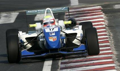F3 Inglesa: Oliver Turvey é o novo lider da temporada