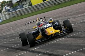 F3 Inglesa: Em Thruxton, Jean-Eric Vergne vence mais duas