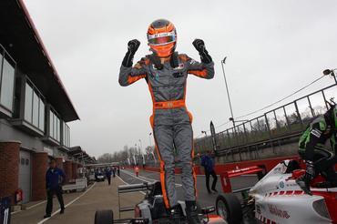F3 Britânica: Matheus Leist venceu outra e é o único piloto com duas vitórias em 2016