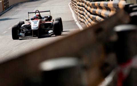 F3 Macau: Alex Lynn vence prova classificatória