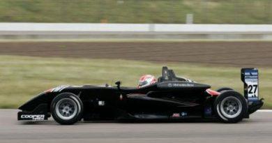 F3 Inglesa: Jean Eric Vergne amplia vantagem no campeonato. Felipe Nasr vence pela primeira vez