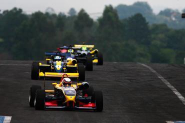 F3 Sul-Americana: Felipe Guimarães ganha mais uma em Tarumã
