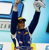 F3 Sul-Americana: Higor Hoffmann comemora título com vitória geral na Fórmula 3