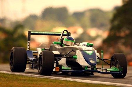 F3 Sulamericana: Em prova de recuperação, Lucas Foresti chega em 4º na F-3