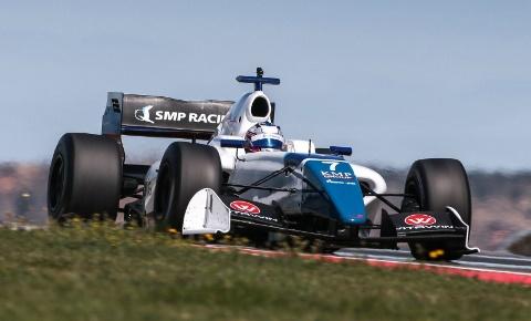 Formula V8 3.5: Louis Delétraz assume a liderança do campeonato