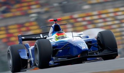 GP2 Asiática: Roldan Rodriguez, da Piquet GP, é pole na abertura da temporada