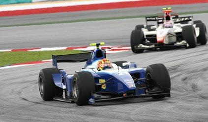 GP2 Asiática: Diego Nunes e Vitaly Petrov vencem na Malásia