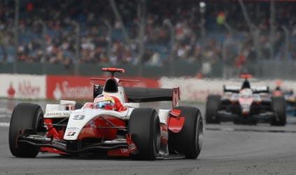 GP2 Series: Pastor Maldonado vence a segunda prova em Silverstone