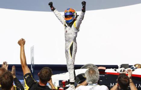 GP2 Series: Romain Grosjean vence a primeira prova em Valência