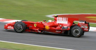 F1: Felipe Massa marca a pole e começa na frente luta pelo título no Brasil