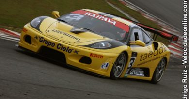 GT3 Brasil: Com pista úmida, Ricci/Derani lideram treino de aquecimento no domingo
