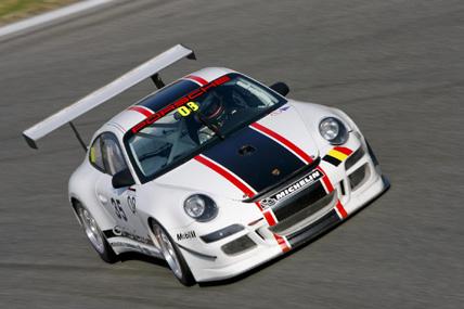 GT3: No primeiro teste coletivo, novíssimo Porsche 997 GT3 Cup S surpreende a concorrência