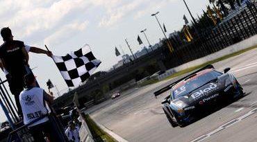 GT3 Brasil: Marcelo Hahn e Allam Khodair vencem Corrida da Independência em Curitiba