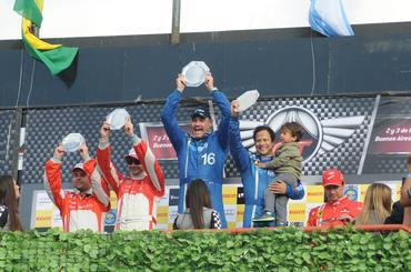 GT Brasil: Buenos Aires celebra campeões do Campeonato Sudamericano de Gran Turismo em 2013