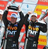 GT Brasil: Valter Rossete e Fábio Greco lavam a alma com vitória na última corrida de 2011
