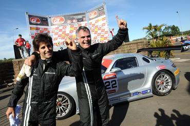 GT Brasil: Mercedes-Benz SLS AMG estreia com vitória de Paulo Bonifácio e Sérgio Jimenez