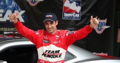 IndyCar: Helio Castroneves é pole nas 500 milhas e mais dois brasileiros garantem vaga na primeira classificação