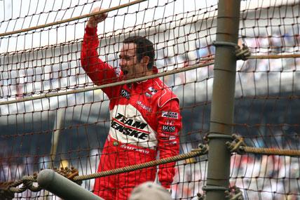 Indy 500: Helio Castroneves vence pela 3ª vez as 500 Milhas de Indianápolis