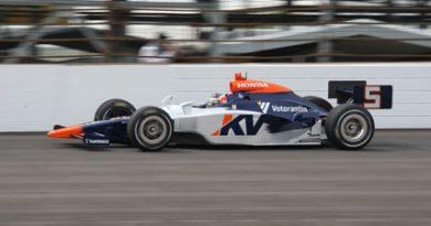 IndyCar: Mario volta a andar forte em Indianápolis com a segunda colocação