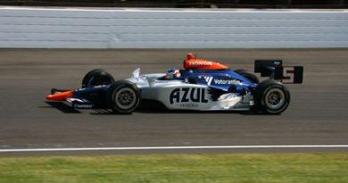IndyCar: Mário Moraes fecha o último treino na terceira colocação