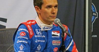 IndyCar: Após grave acidente, Mikhail Aleshin está estável, mas com várias fraturas