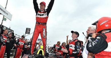 IndyCar: Sébastien Bourdais vence primeira prova em Detroit