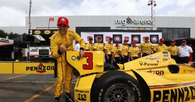 IndyCar: Helio Castroneves sai em primeiro em Houston