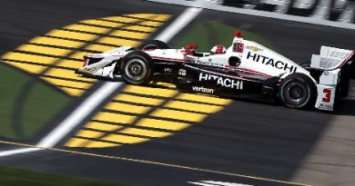 IndyCar: Hélio Castroneves vence em Iowa e encerra jejum de três anos