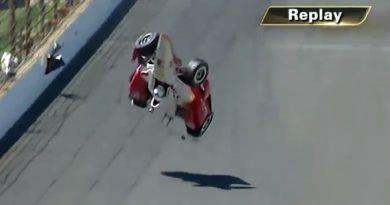 IndyCar: Hélio sofre acidente em Indianápolis
