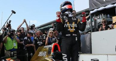 IndyCar: James Hinchcliffe marca a pole para a 100ª edição das 500 Milhas de Indianápolis
