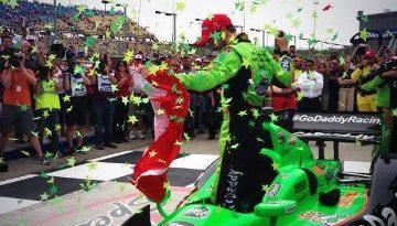 IndyCar: James Hinchcliffe vence em Iowa