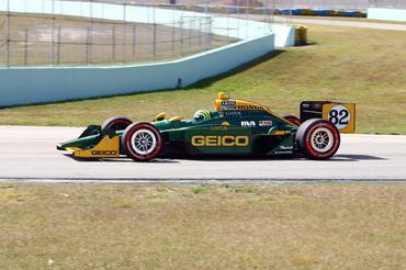IndyCar: Tony Kanaan treina pela primeira vez com a KV