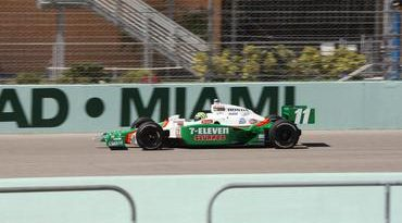 IndyCar: Tony Kanaan conquista pódio na última corrida do ano