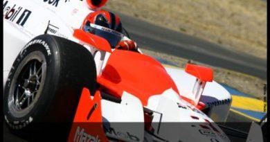 IndyCar: Caminhão da Penske pega fogo e destrói dois carros