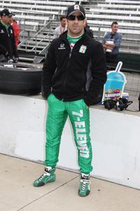 Indycar: Tony Kanaan segue para Iowa em busca do