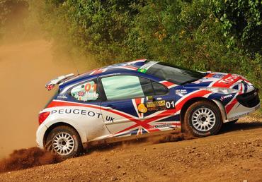 IRC: Kris Meeke vence seis das sete primeiras especiais do Rally Internacional de Curitiba