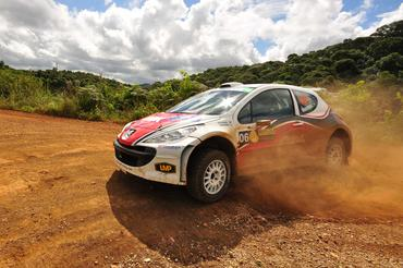 IRC: Brasileiro termina em sexto primeiro dia do Rally de Curitiba