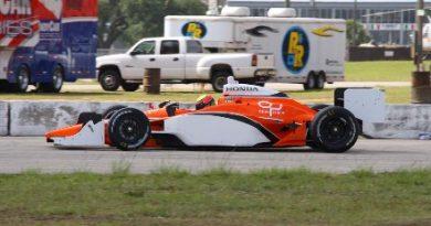 IRL: Bernoldi: satisfeito com o resultado dos seus primeiros testes na equipe Conquest Racing