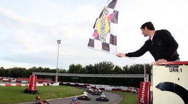 F3 Inglesa: Adriano Buzaid chega em quarto na corrida em prol de Chris Van der Drift