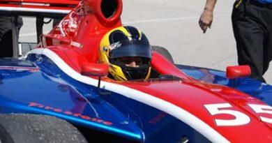 Indy Lights: Rodrigo Barbosa teve problema de câmbio nas ruas de Long Beach