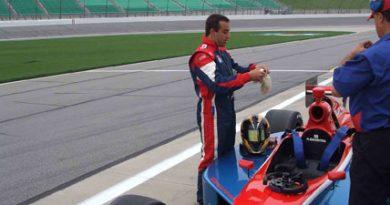 Indy Lights: Rodrigo Barbosa ansioso para competir em Indianápolis