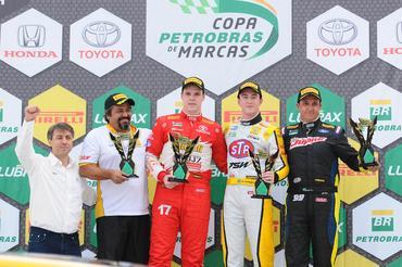 Copa Petrobras de Marcas: Casagrande e Renault vencem com pódio 100% paranaense em Curitiba