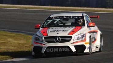 Mercedes-Benz Challenge: Felipe Massa visita camarote da Mercedes em Goiânia