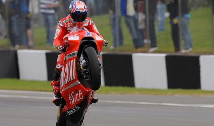 MotoGP: Casey Stoner vence em Assen