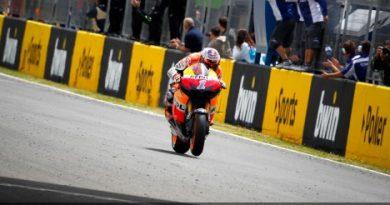 MotoGP: Casey Stoner vence na Espanha