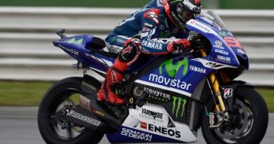 MotoGP: Jorge Lorenzo vence prova caótica em Aragón